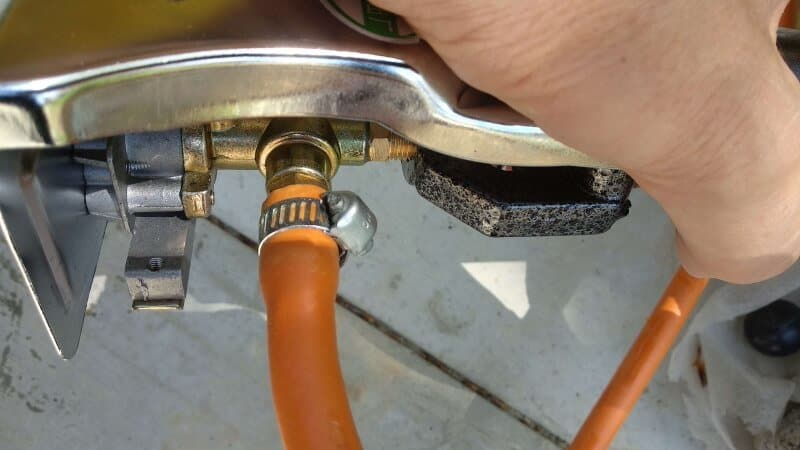 connection with gas hose