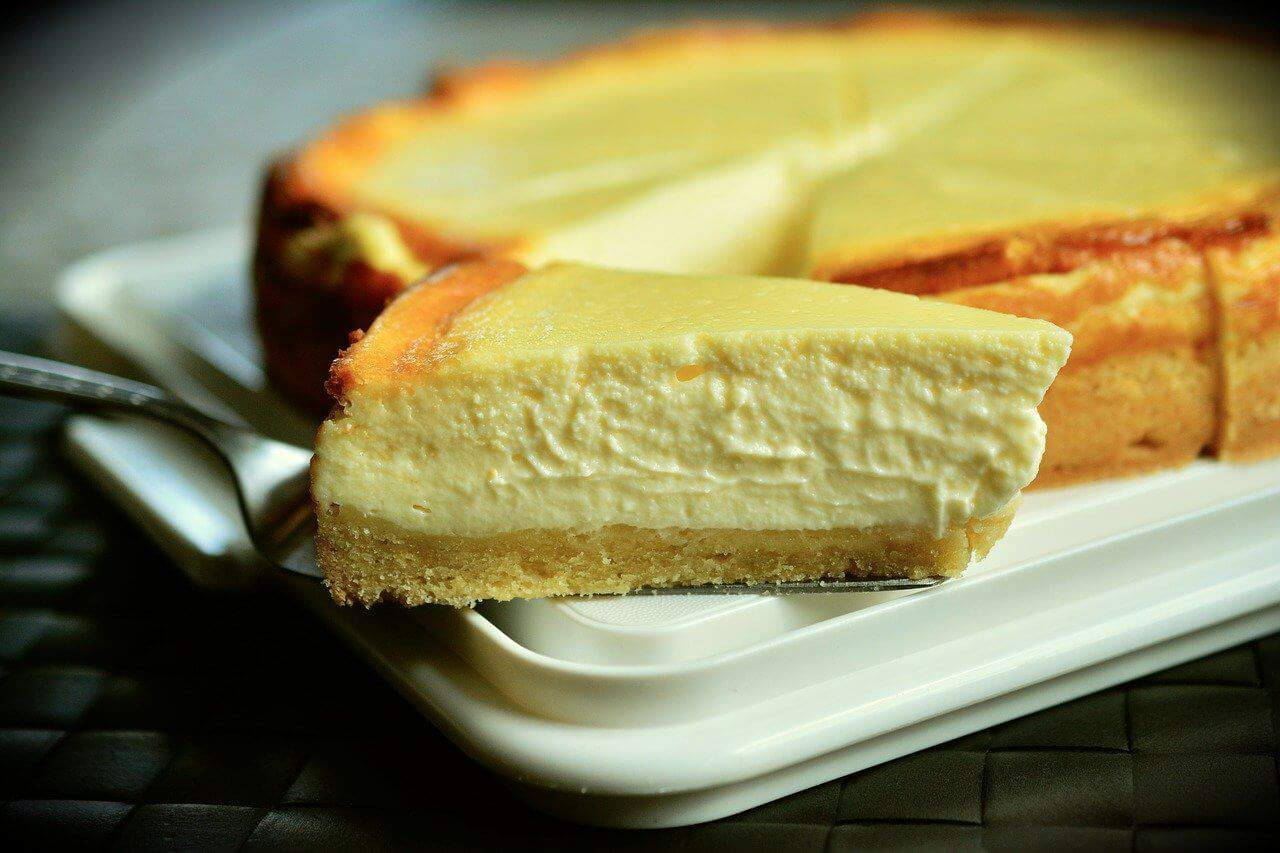 is it cheaper to make cheesecake at home from scratch