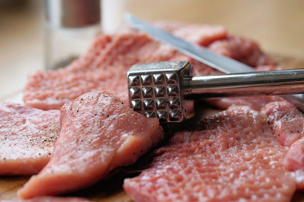 should you poke holes in meat before cooking